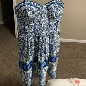Dresses & Skirts - Blue paisley dress
